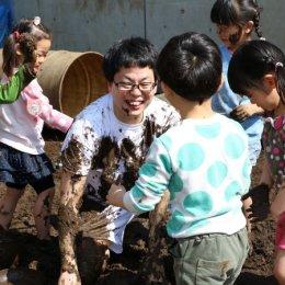NHK「あさイチ」で鶴見どろんこ保育園から生中継