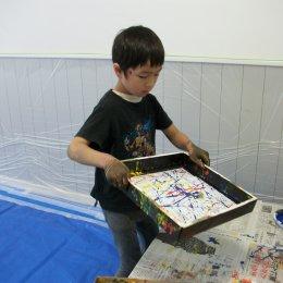 つむぎ荻窪ルーム「絵の具をダイナミックに使って遊ぼう!」