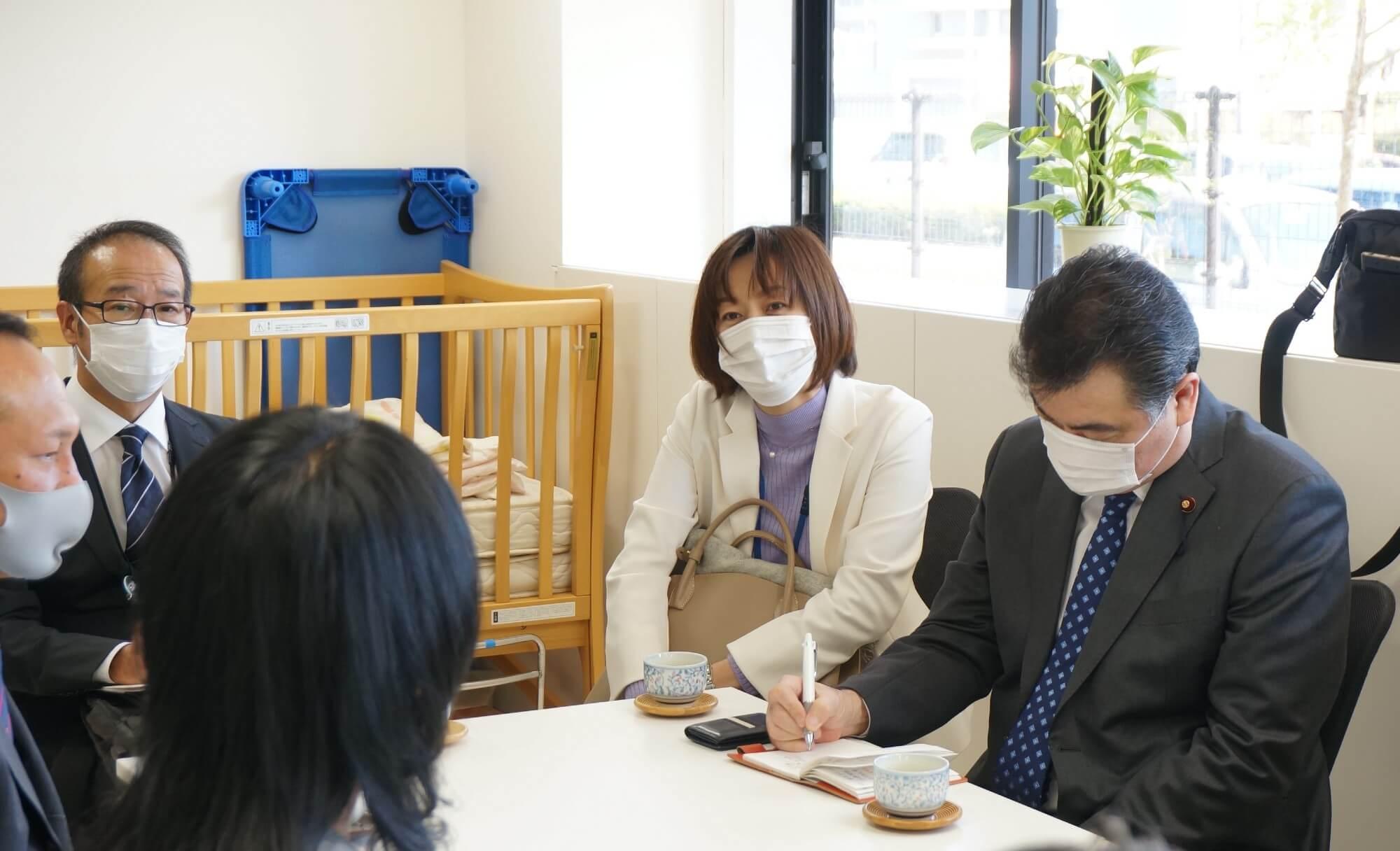 横浜市議と意見交換