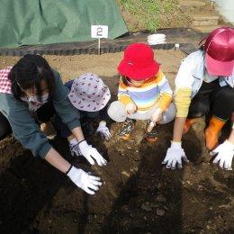 発達支援つむぎ横浜西口「畑仕事、始まりました」