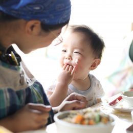 乳児期の給食