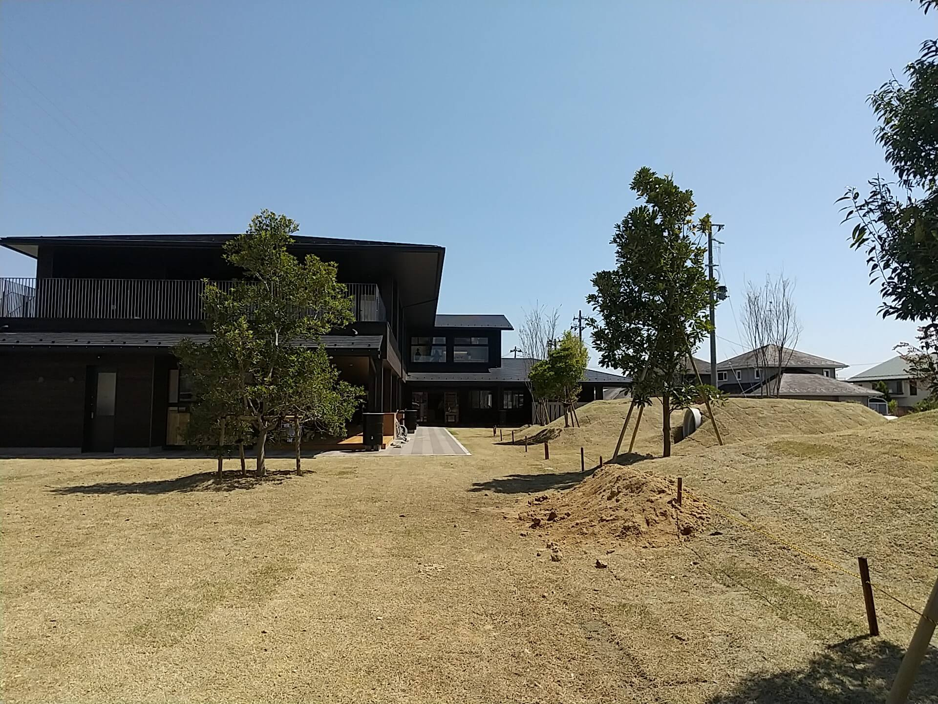 八山田どろんこ保育園の園庭