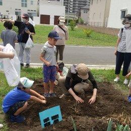 子ども発達支援センターつむぎ 浦和美園「自然から得るものたくさん!浦和美園 ~実りの秋へ向かって」